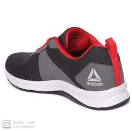 Reebok 9 size shoes