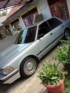 Toyota Crown Royal Saloon th1990 Automatic