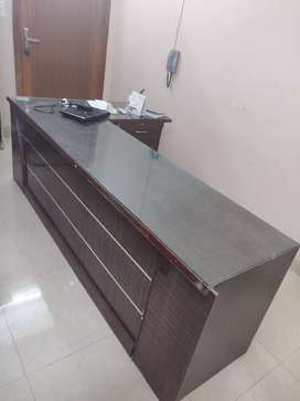 Table with boxes and Counter for Shops