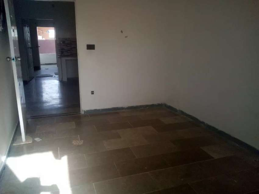 2 lounge available for sell 0