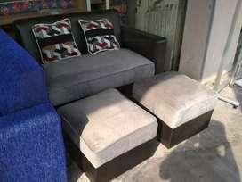 Sofa warna abu abu