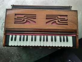 Harmonium in good condition