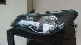 Poles lampu mobil yang kusam jadi bening lagi seperti baru