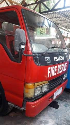 Truk Damkar Pemadam Kebakaran Isuzu Kapasitas 3000L