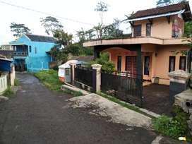 Rumah di garut  + kolam ikan di garut kota bisa untuk villa
