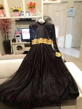 Dress pesta hitam hijab