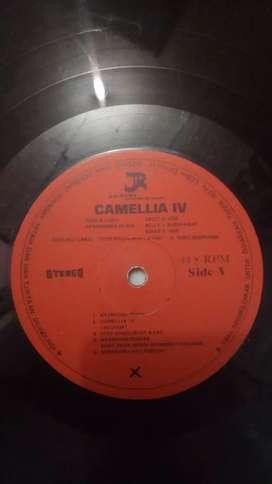Piringan Hitam/Vinyl Ebiet G. Ade Album Camellia IV