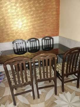 Dining table 6 chair good condition