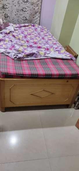 Bed along with its matress Divan