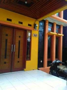 Siap Huni Rumah Tinggal Mewah sekaligus Tempat Usaha