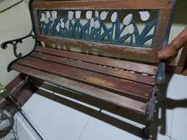 Dijual Kursi Taman kondisi bagus baik