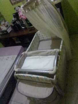 Box bayi merk babyelle colour beige
