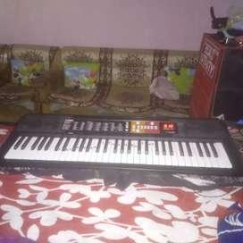 I sale Yamaha PSR F 51 no. Keyboard