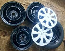 Toyota colour 2012 model original wheel