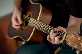 Learn Guitar at your home, aff. Trinity College of Music, London