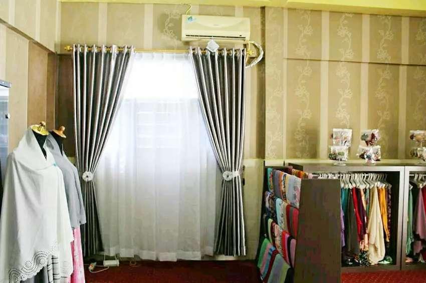 Tirai kantor vertical blind wallpaper rapi