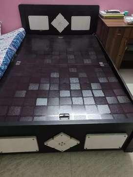 4x6 Storage Bed Damaged Condition