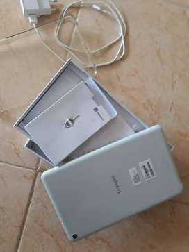 Jual samsung tablet SPen msh seperti baru dan bergaransi baru ½ thn ..