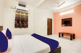 Vijay Nagar Fully Furnished PG Rooms for Couple/Bachelors