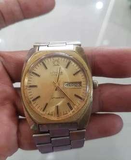 Jam tangan Titus