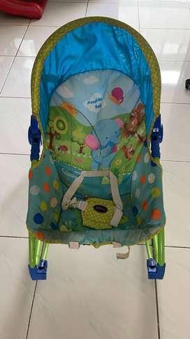 Kursi dudukan bayi
