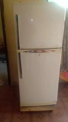 Waves fridge in good condition