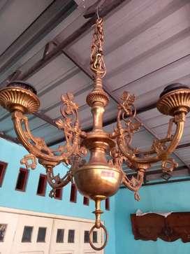 Lampu Gantung Cabang 4 Kuningan Kuno.