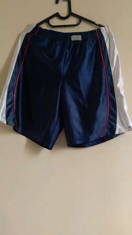 Celana pendek sport second import size 32 - 34 (LP 88)