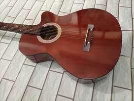 Akustik gitar yamaha  bisa bayar slth barang sampai rmh