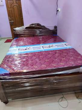 Wholesale price queen size wooden cot with spring matress