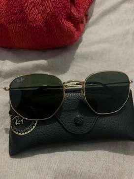 Dijual kacamata rayban asli