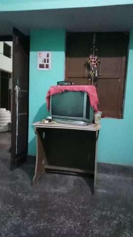 Color T .v in good condition , good picture quality , everything best