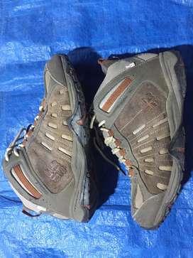 Sepatu bot kolombia size 43-44boleh pakai
