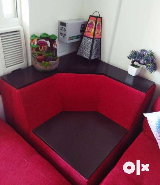 6 seater Beautiful Red Sofa With Lounger And Corner 0