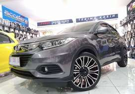 Honda HRV pakai velg hsr myth02 r20x85 bisa kredit