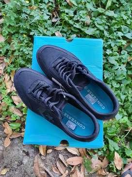 CONVERSE Courtlandt OX Triple Black Original 161599C