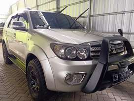 Toyota fortuner V 2.7 4x4 autometic