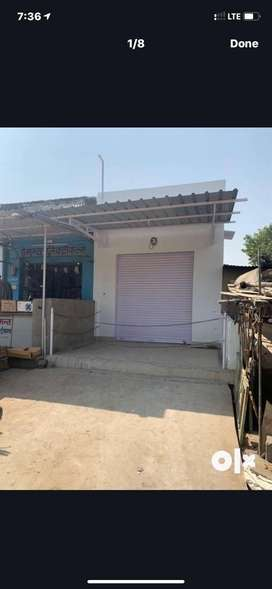 Shop for sell mewari gate bahar, sabji mandi ke samne