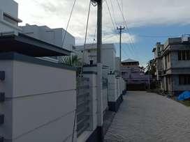 Villa for sale at Edappali Masgith Raod Near Lulu Mall back side