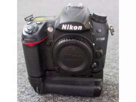 Nikon D7000 DSLR with 50mm 1.8G Auto Lense and Battery Grip