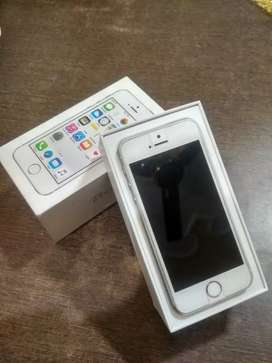 Iphone 5s with bill, box, charger. Brand New Condition !