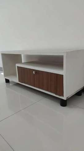 Meja Tv putih second