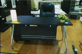 meja kantor minimalis kaki besi 153