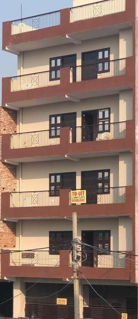 2BHK Flats in Rohini Sector-18 Available for Rent