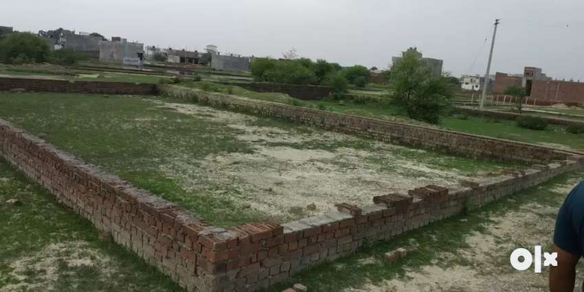 Plot Available at Infront of Jaipuria School 0