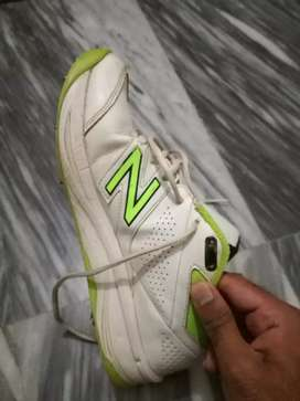 New balance REVLITE CRICKET SPIKE'S