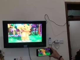 Televisi Led smart 32 inch dan kulkas