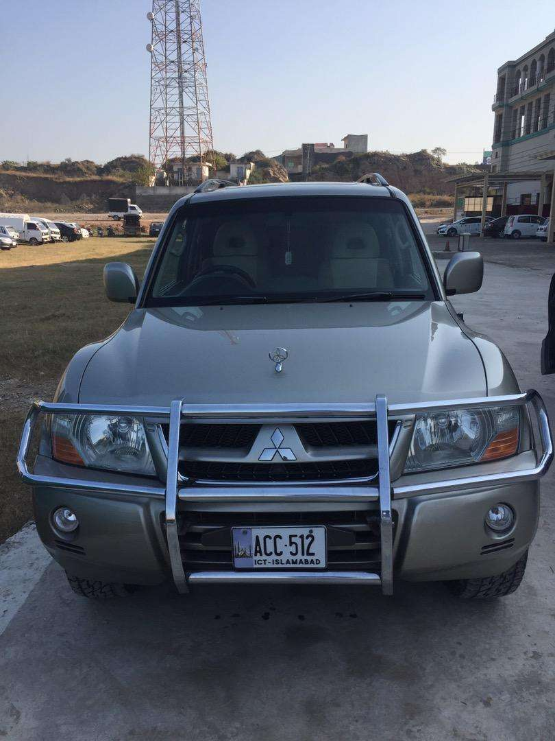 PAJERO GLS 2006 2800cc in good contion 0