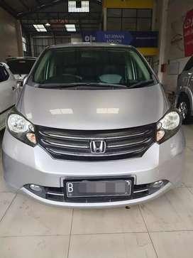Honda Freed 1.5 PSD  Matic 2011 Silver Metalik