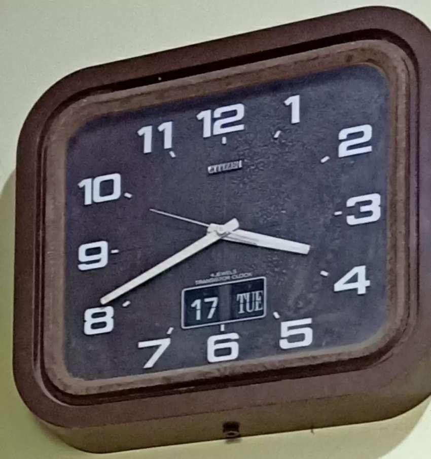 transistor jam dinding antik kuno jadul 0